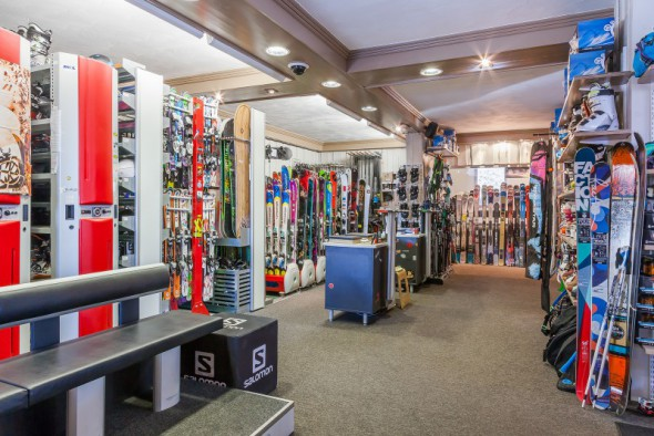 les_balcons_de_val_thorens_magasin_de_sport_surf_ski_shop_intersport_img_8067_acr7_web_2048.jpg