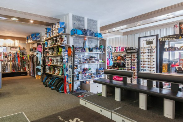 les_balcons_de_val_thorens_magasin_de_sport_surf_ski_shop_intersport_img_8097_acr7_web_2048.jpg